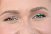 Hayden Panettiere Bright Eyeshadow