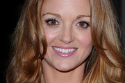 Jayma Mays Medium Wavy Cut