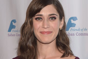 Lizzy Caplan Shoulder Length Hairstyles