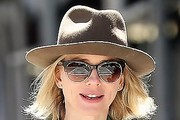 Naomi Watts Dress Hats
