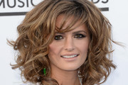 Stana Katic Shoulder Length Hairstyles