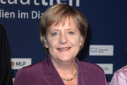 Angela Merkel Short Side Part