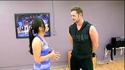 William Levy showed off his muscles with a sleeveless graphic hoodie.