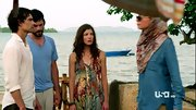 Devin Kelley looked quite tropical on 'Covert Affairs' in a floaty floral print dress.