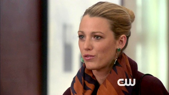 More Pics of Blake Lively Dangle Decorative Earrings (1 of 15) - Blake Lively Lookbook - StyleBistro