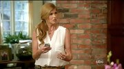 Connie Britton's sleeveless white button-down was a low-key, yet elegant choice.