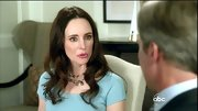 Madeleine Stowe heightened the drama of her blue dress with stunning multi-colored pearls.