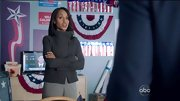 Kerry Washington's gray turtleneck was both professional and stylish on 'Scandal.'