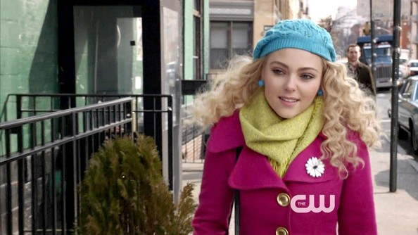 More Pics of AnnaSophia Robb Crocheted Beret (1 of 16) - AnnaSophia Robb Lookbook - StyleBistro