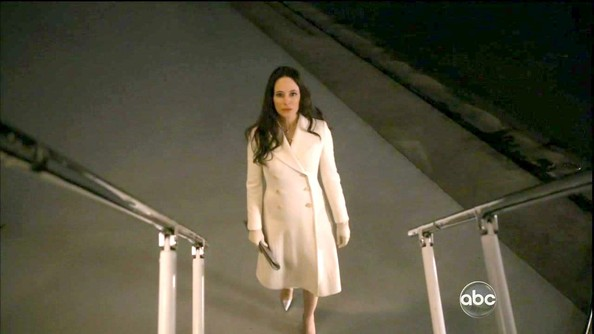 More Pics of Madeleine Stowe Layered Pearl Necklace (1 of 13) - Layered Pearl Necklace Lookbook - StyleBistro