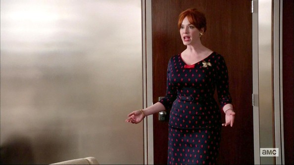 More Pics of Christina Hendricks Print Dress (1 of 3) - Christina Hendricks Lookbook - StyleBistro