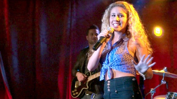 Haley Reinhart Clothes