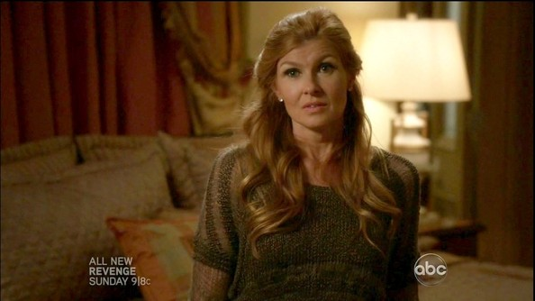 More Pics of Connie Britton Crewneck Sweater (1 of 17) - Crewneck Sweater Lookbook - StyleBistro