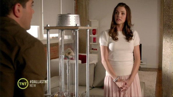 Julie Gonzalo Clothes