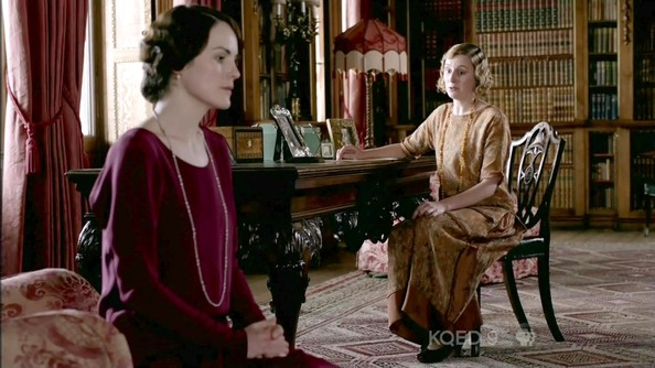 More Pics of Michelle Dockery Multi Beaded Necklace (1 of 15) - Michelle Dockery Lookbook - StyleBistro