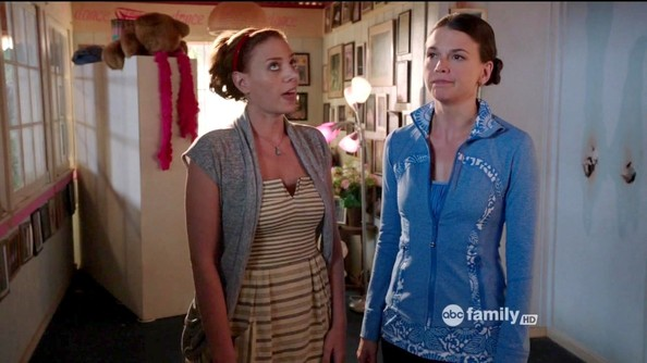 Sutton Foster Clothes