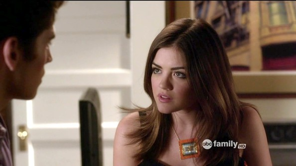 More Pics of Lucy Hale Black Statement Necklace (1 of 32) - Lucy Hale Lookbook - StyleBistro []