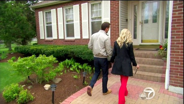 Red flares helped add a touch of sass to Emily's otherwise preppy outfit on 'The Bachelorette.'