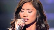 Jessica Sanchez's warm golden shadows resemble the colors of a sunset.