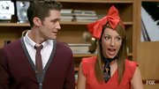 As you can see by this oversize bow headband, Vanessa Lengies does not wear subtle accessories on 'Glee.'