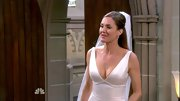 For her character's walk down the aisle, Erinn Hayes showed off her figure in a low-cut wedding dress.