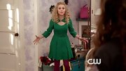 AnnaSophia Robb chose a fitted cut out dress for her Thanksgiving outfit on 'The Carrie Diaries.'