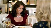Vanessa Williams drew all eyes to her decolletage with this diamond chain link necklace.