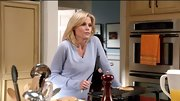 Julie Bowen ditched her hoodies for a cozy lavender V-neck on 'Modern Family.'