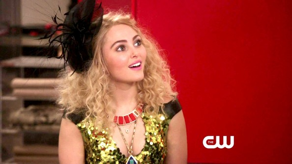 More Pics of AnnaSophia Robb Crocheted Beret (5 of 16) - AnnaSophia Robb Lookbook - StyleBistro