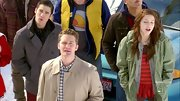 Melissa Benoist opted for a trendy and cool utility jacket for her look on 'Glee.'