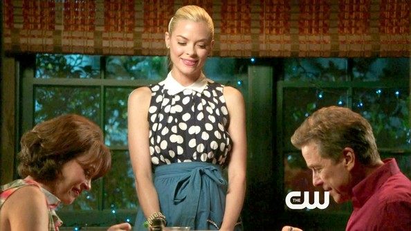 More Pics of Jaime King Day Dress (1 of 10) - Hart of Dixie Lookbook - StyleBistro